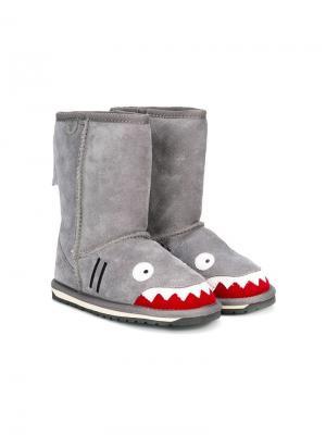 Теплые сапоги в виде акулы Emu Kids. Цвет: серый