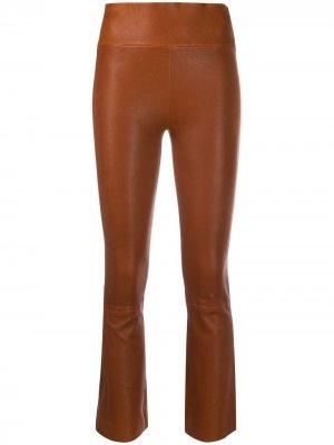 Укороченные расклешенные брюки Sprwmn. Цвет: коричневый
