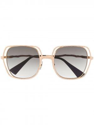 Солнцезащитные очки в массивной квадратной оправе Kuboraum. Цвет: золотистый