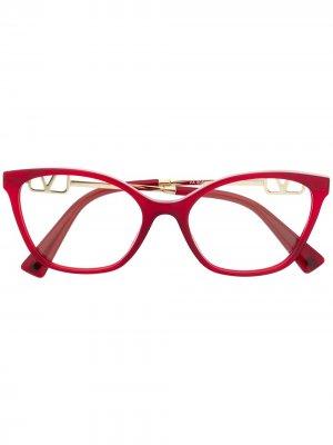 Очки в оправе кошачий глаз Valentino Eyewear. Цвет: красный