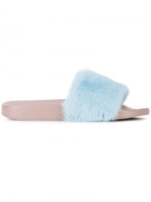 Меховые шлепанцы Dolce & Gabbana. Цвет: синий