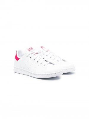 Кроссовки Stan Smith adidas Kids. Цвет: белый