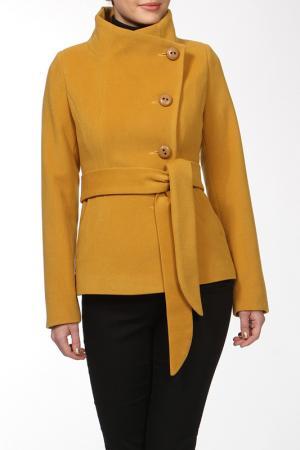 Пальто КОРУ-СТИЛЬ. Цвет: желтый