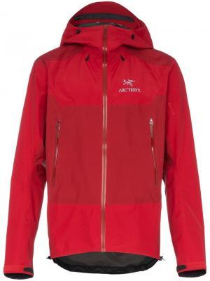 Куртка Beta SL HYBRID с капюшоном Arc'teryx. Цвет: красный