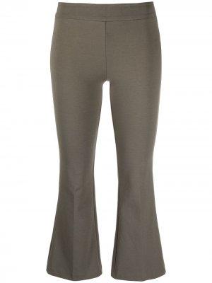 Укороченные расклешенные брюки Blanca Vita. Цвет: зеленый