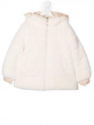 Стеганое пальто с капюшоном Monnalisa. Цвет: нейтральные цвета