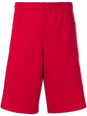 Баскетбольные шорты с полосками и логотипом Gucci. Цвет: красный