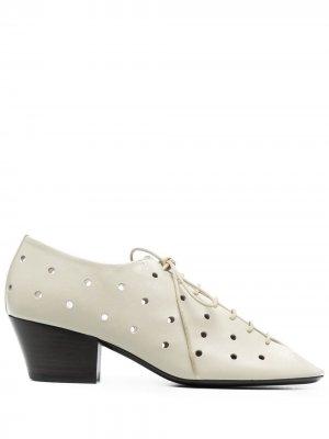 Туфли на шнуровке с перфорацией Lemaire. Цвет: нейтральные цвета
