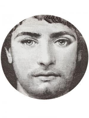 Тарелка с рисунком Fornasetti. Цвет: черный
