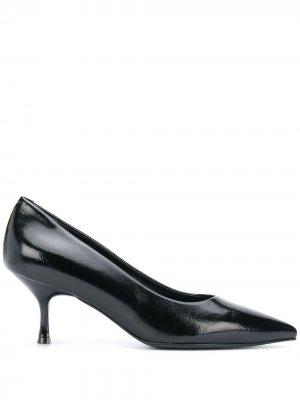 Лакированные туфли-лодочки с заостренным носком Pollini. Цвет: черный