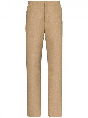 Строгие брюки Alaior кроя слим Totême. Цвет: коричневый