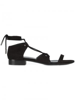 Сандалии со шнуровкой Thomas Wylde. Цвет: черный