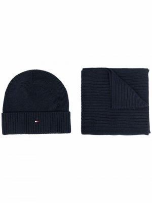 Комплект из шапки и шарфа с вышитым логотипом Tommy Hilfiger. Цвет: синий