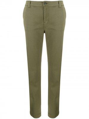 Укороченные зауженные брюки Current/Elliott. Цвет: зеленый