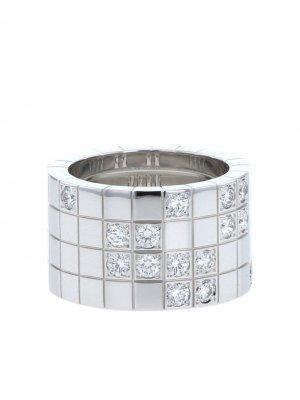 Большое кольцо Lanière 2010-го года из белого золота с бриллиантами Cartier. Цвет: белый