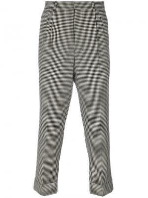 Зауженные клетчатые брюки Ami Alexandre Mattiussi. Цвет: черный