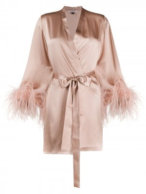 Халат с перьями на манжетах Gilda & Pearl. Цвет: розовый