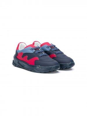 Кроссовки в стиле колор-блок Emporio Armani Kids. Цвет: красный