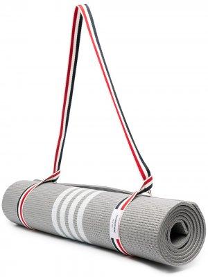 Мат для йоги с полосками 4-Bar Thom Browne. Цвет: 035 med grey