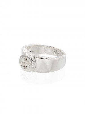 Серебряное кольцо с логотипом GG Gucci. Цвет: серебристый