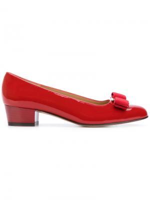 Туфли Vara Salvatore Ferragamo. Цвет: красный