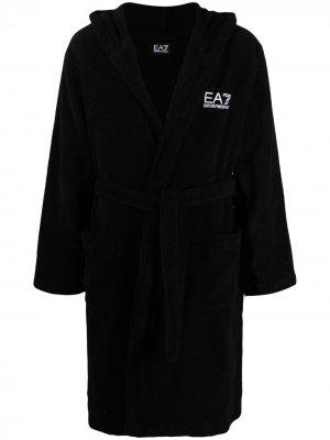 Халат с вышитым логотипом Ea7 Emporio Armani. Цвет: черный
