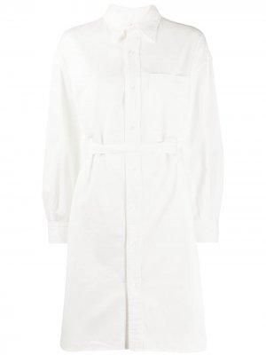 Платье-рубашка с поясом R13. Цвет: белый