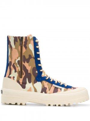 Ботинки с камуфляжным принтом из коллаборации Paura Superga. Цвет: нейтральные цвета
