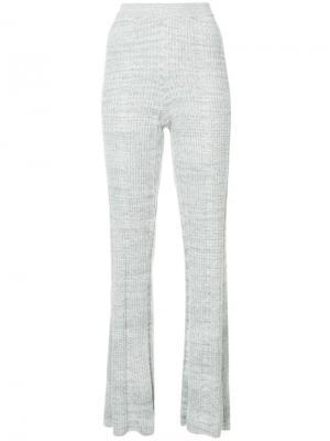 Расклешенные трикотажные брюки Elizabeth And James. Цвет: серый