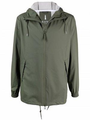 Куртка с капюшоном Rains. Цвет: зеленый