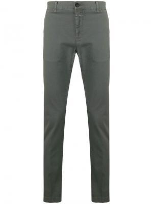 Классические брюки чинос Closed. Цвет: серый