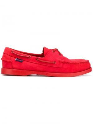 Мокасины со шнуровкой Sebago. Цвет: красный