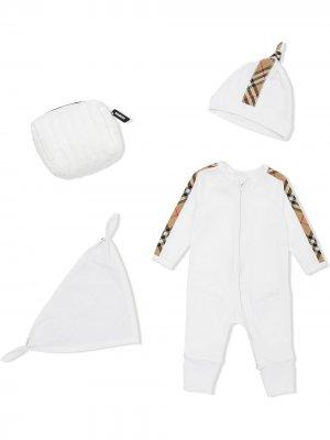 Комплект для новорожденного со вставками в клетку Burberry Kids. Цвет: белый