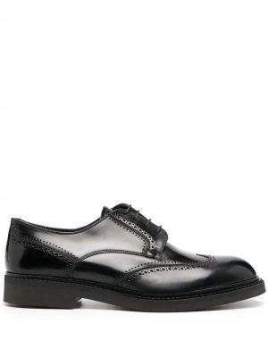 Глянцевые туфли на шнуровке Fratelli Rossetti. Цвет: черный