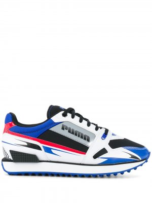Кроссовки на шнуровке Puma. Цвет: белый