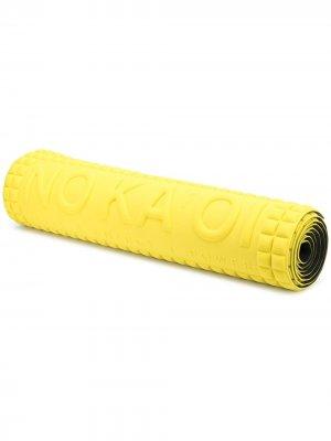 No Ka Oi квадратный мат для йоги с тисненым логотипом Ka'. Цвет: желтый
