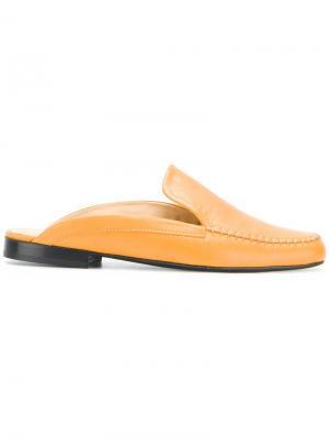 Слиперы на низком каблуке Aalto. Цвет: желтый