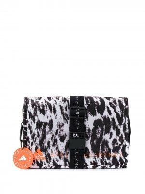 Косметичка с принтом adidas by Stella McCartney. Цвет: черный