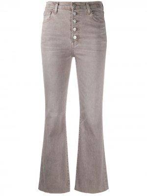 Укороченные расклешенные брюки J Brand. Цвет: серый