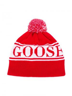 Knitted logo beanie Canada Goose Kids. Цвет: красный