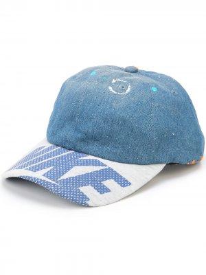 Джинсовая бейсболка с логотипом GALLERY DEPT.. Цвет: синий