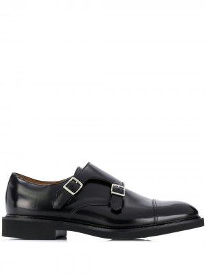 Doucals туфли монки с пряжками Doucal's. Цвет: черный