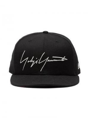 Кепка с вышитым логотипом Yohji Yamamoto. Цвет: черный