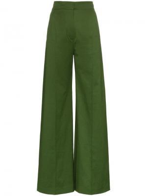 Расклешенные брюки Vika Gazinskaya. Цвет: зеленый