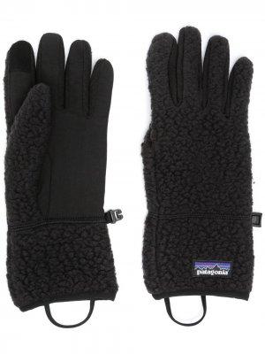 Флисовые перчатки с нашивкой-логотипом Patagonia. Цвет: черный