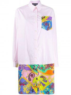 Платье-рубашка с узором пейсли Versace Jeans Couture. Цвет: розовый