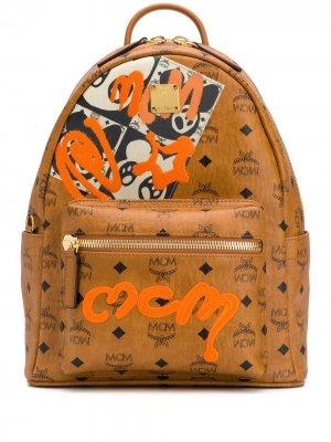 Рюкзак с логотипом MCM. Цвет: коричневый