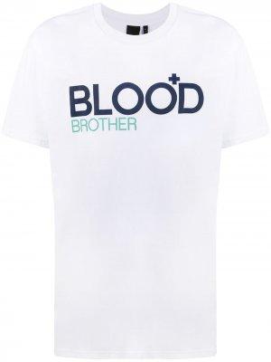 Футболка Trademark с логотипом Blood Brother. Цвет: белый