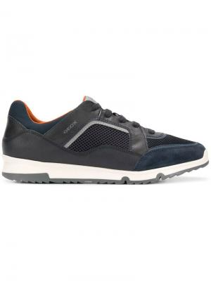 Кроссовки в футуристическом стиле на шнуровке Geox. Цвет: синий