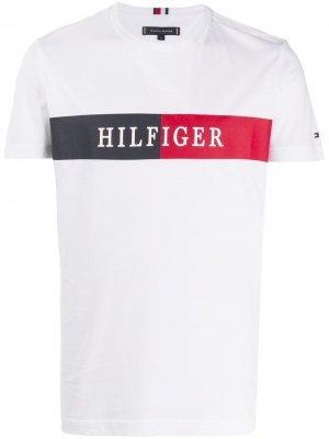 Футболка с логотипом Tommy Hilfiger. Цвет: белый